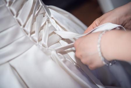 Braut Ankleiden